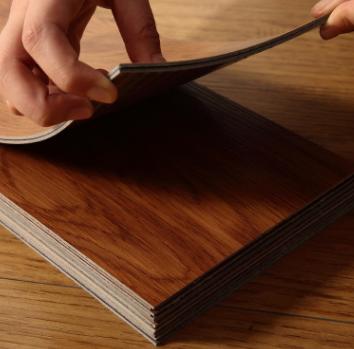 厂家直销2.0MM自粘片材免胶PVC塑胶地板地胶木纹家用商用防水耐磨